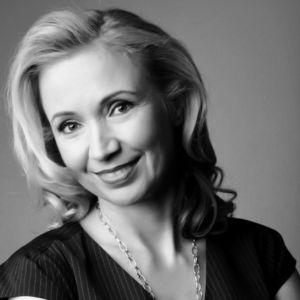 Susanne Chishti-B&W